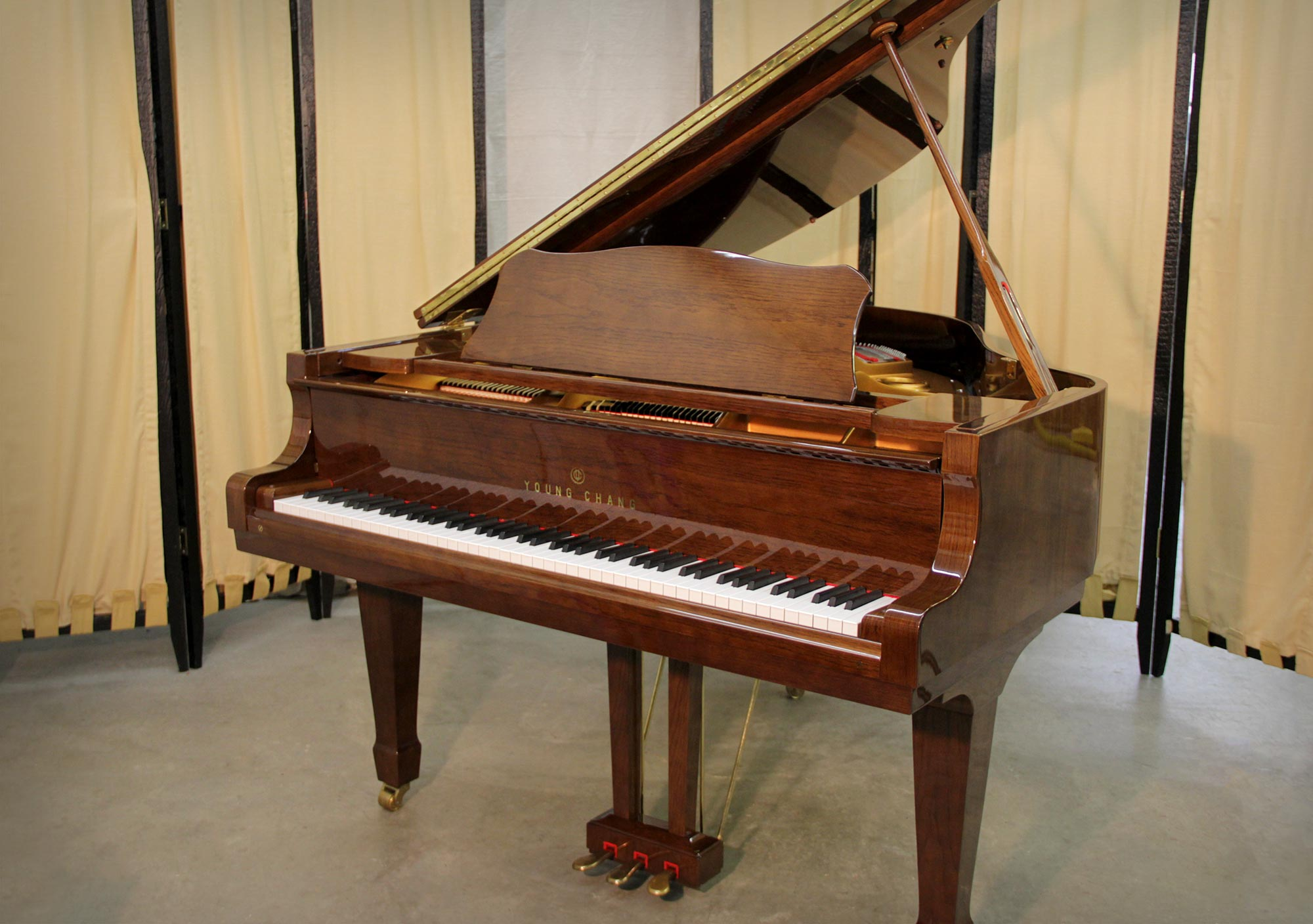 Young Chang G-157 Grand Piano | Open Lid