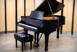 Steinway & Sons Model L Grand Piano in Satin Ebony - Excellent Condition for Sale